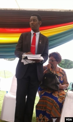 Umqondisi womkhankaso weZimbabwe Freedom From Hunger, uDr. Lamiel Phiri.