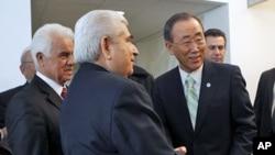 聯合國秘書長潘基文(右)星期三在紐約聯合國總部