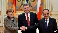 فرانس اور یوکرین کے صدور جرمن چانسلر کے ہمراہ