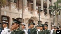 행진하는 인민해방군 장교들 (자료사진)