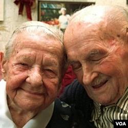 Emilie (96 tahun) dan Otto Kahl (97 tahun) telah menikah selama 75 tahun.