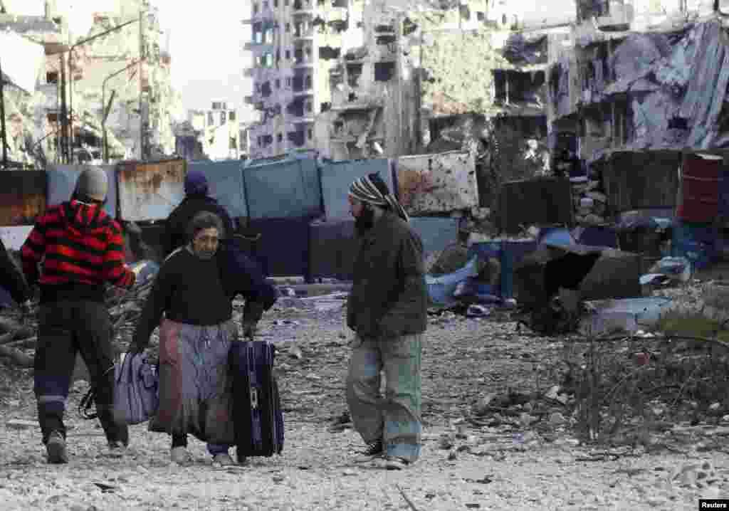 بات چیت کے دوسرے دور کے ایجنڈے میں شام میں ممکنہ طور پر عبوری حکومت کا قیام اور محصور علاقوں میں انسانی ہمدردی کی بنیاد پر امدادی کارکنوں کی رسائی بھی شامل ہے۔