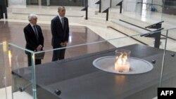 فرمان اجرايی پرزيدنت اوباما در مورد معامله فناوری شنود با رژيم های مستبد