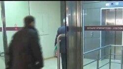 2012-02-07 粵語新聞: 希臘部長:政府計劃裁員1萬5千人