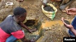 Abacukura ubutare muri Republika Iharanira Demokrasi ya Kongo.