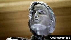 FILE - Patung Michael Jackson dari album HIStory yang dipertunjukan pedana di Las Vegas
