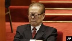 江泽民2012年11月资料照片