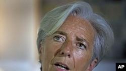 法國財政部長拉加德在印度訪問爭取成為國際貨幣基金組織的下任總裁﹐她星期三抵達中國尋求中國支持。