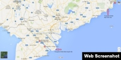 Vị trí 4 trung tâm nhiệt điện trên bản đồ. TTNĐ Vĩnh Tân và Duyên Hải nằm ở 2 đầu mũi tên màu đỏ. TTNĐ Sông Hậu là nơi toạ lạc của Nhà máy Nhiệt điện Sông Hậu 1; TTNĐ Long Phú là nơi đặt Nhà máy Nhiệt điện Long Phú 1 (Long Phu 1 Power Plant).
