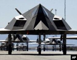 功成隐退的F-117攻击机