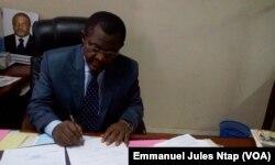 Le proviseur du lycée bilingue de Yaoundé, au Cameroun, le 21 septembre 2017. (VOA/Emmanuel Jules Ntap)