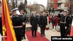 Delegaciju, koja je položila vijenac na spomenik Lovćenska vila na Cetinju predvodio je ministar vanjskih poslova i evropskih integracija Igor Lukšić.
