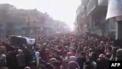 Suriye'de En Az 100 Ölü Daha