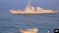 Jirgin Yakin Ruwa na Amurka USS Kidd da ya kaiwa jirgin masuntan Iran doki.
