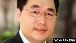 경희대학교 국어국문학과 김종회 교수.