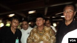 Prabowo ziarah ke makam Suharto (VOA/Yudha Satriawan)