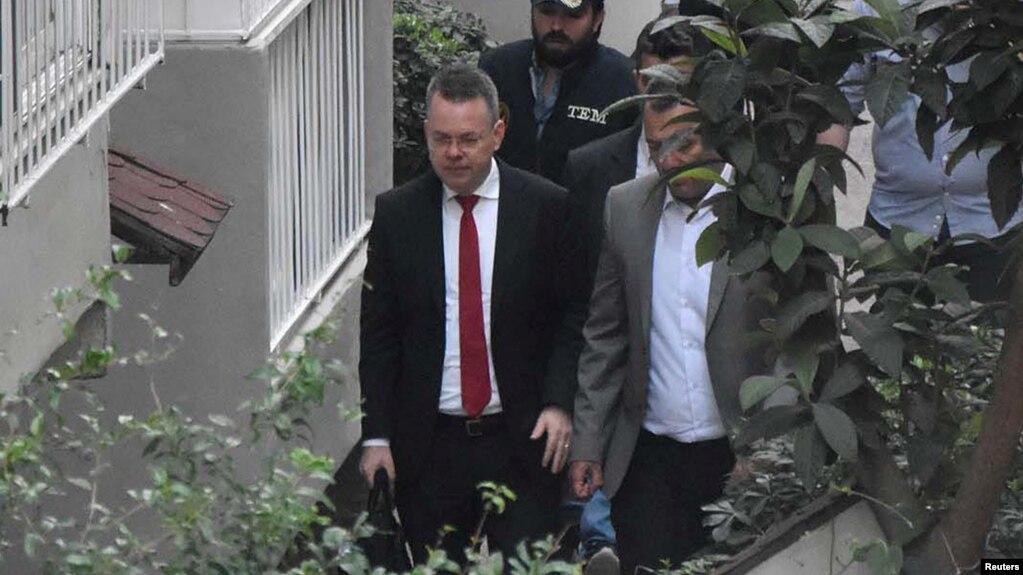 Turqia liron pastorin amerikan, zbut tensionin me SHBA