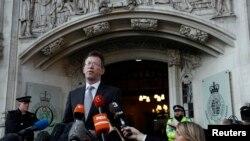 برطانوی اٹارنی جنرل جرمی رائٹ یورپی یونین سے علیحدگی کے معاملے پر سپریم کورٹ کے فیصلے کے بعد بیان دے رہے ہیں۔ 24 جنوری 2017