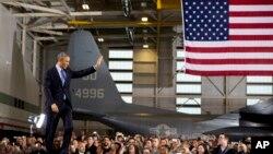 ولسمشر اوباما د امریکا د نیوجرسي د ایالت د فورت ډیکس په پوځي آدې کې