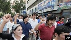 2009年新疆維吾爾人在烏魯木齊上街游行