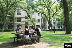芝加哥大学神学院研究生王菡与朋友举办沙龙,讨论宗教问题