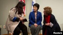 북한을 탈출해 미국에 난민으로 정착한 조진혜 씨와 모친 한송화 씨(왼쪽부터)가 지난 1월 뉴욕에서 열린 기자회견에 참석했다. (자료사진)