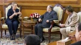 Hillary Clinton a rencontré le président algérien Abdelaziz Bouteflika pour discuter du Mali