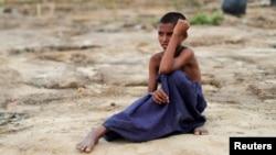 Dečak, pripadnik etničke grupe Rohidnža muslimana, u iBangladešu