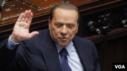 Pengadilan Italia telah menolak dakwaan penipuan pajak terhadap PM Silivio Berlusconi (18/10).