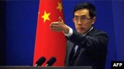 Пресс-секретарь МИД Китая Лиу Уимен отвечает на вопросы журналистов в Пекине