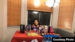 Turi Isherdianto, warga Indonesia di Weston, Florida, bertahan bersama suami, anak dan satu keluarga temannya dari ancaman badai Irma, 9 September 2017 (Foto courtesy : Turi Isherdianto)