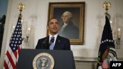 Predsednik Obama daje izjavu o podizanju granice zaduživanja u sobi za diplomatske prijeme Bele kuće, 29. jula 2011.