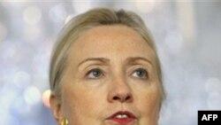 Theo kế hoạch được dự định Ngoại trưởng Clinton sẽ đến thăm Miến Ðiện