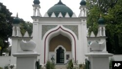 برطانیہ کی پہلی باقاعدہ مسجد
