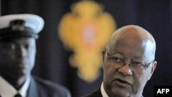 Thủ tướng Guinea Bissau Carlos Gomes Junior đã bị bắt và đưa đến một căn cứ quân sự ở thủ đô