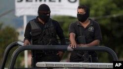 Testigos vieron a hombres armados secuestrar a Érica Alvarado Rivera y sus hermanos Alex y José Ángel.
