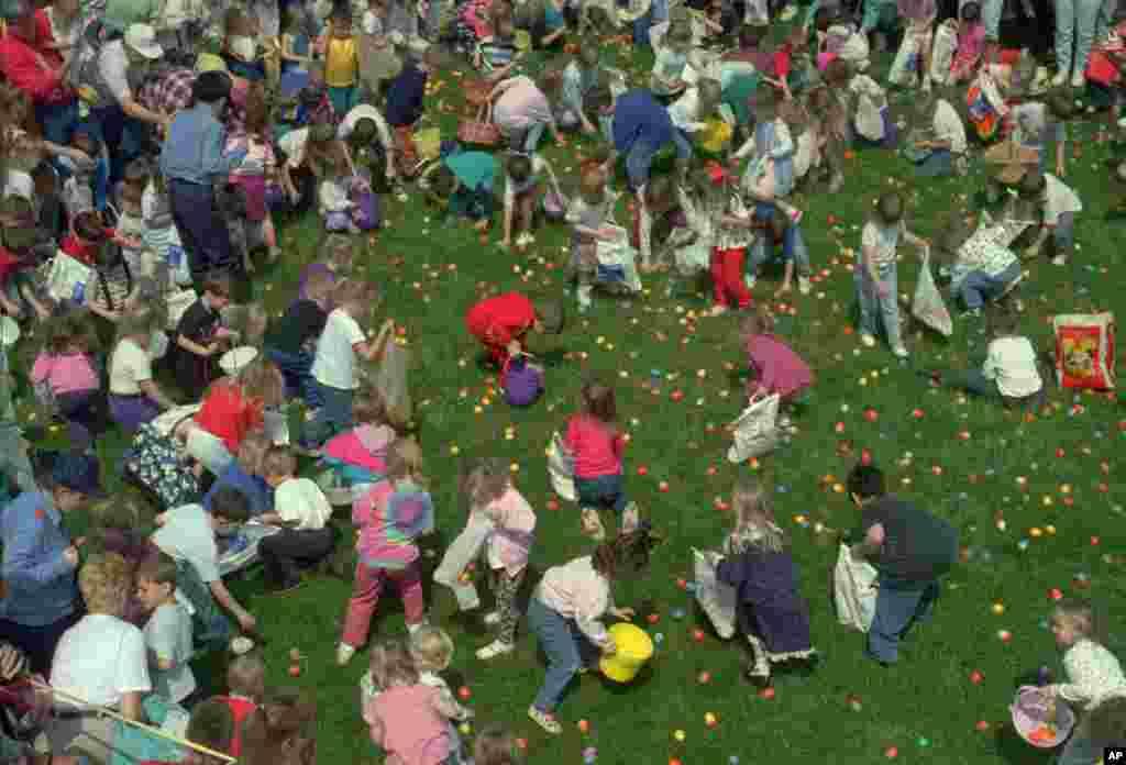 Generalmente son los pequeños, quienes se muestran más emocionados por esta parte de la celebración de Pascua.