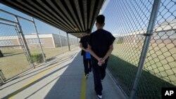 Muere un mexicano en custodia de ICE. Es el décimo desde octubre.