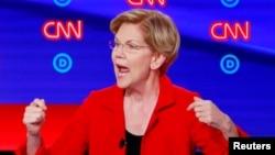La sénatrice américaine Elizabeth Warren, lors de du deuxième débat des démocrates à Détroit, Michigan, le 30 juillet 2019.