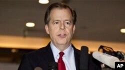 美國國務院對北韓政策特別代表格林•戴維斯2011年12月在北京會見記者檔案照