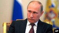 Presiden Rusia Vladimir Putin mungkin akan mengirim delegasi untuk membahas situasi di Suriah dengan anggota-anggota Kongres AS (foto: dok).