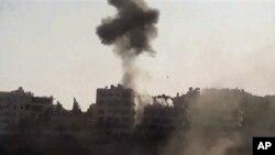 4일 시리아 알레포에서 포격으로 피어오른 연기.