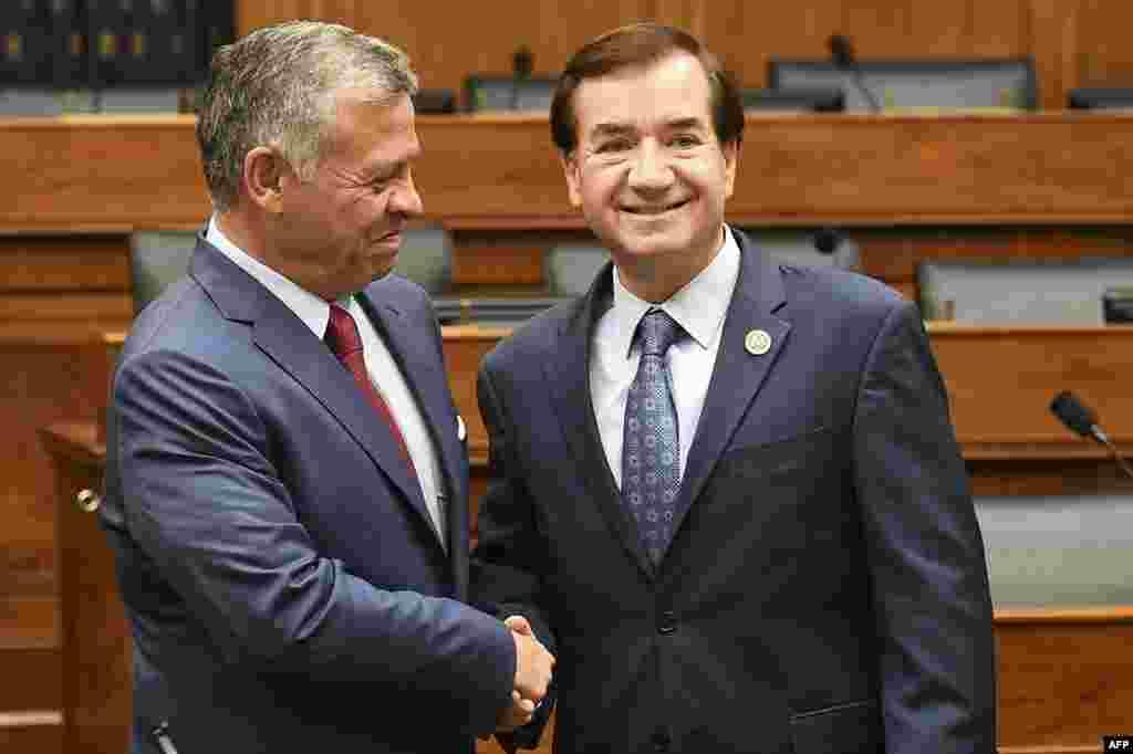 دیداراد رویس، رئیس کمیته امور خارجی مجلس نمایندگان آمریکا با ملک عبدالله، پادشاه اردن در ساختمان کنگره در پایتخت آمریکا