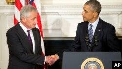 El presidente Barack Obama agradeció el servicio del secretario de Defensa, Chuck Hagel, quien presentó su renuncia al cargo este lunes.