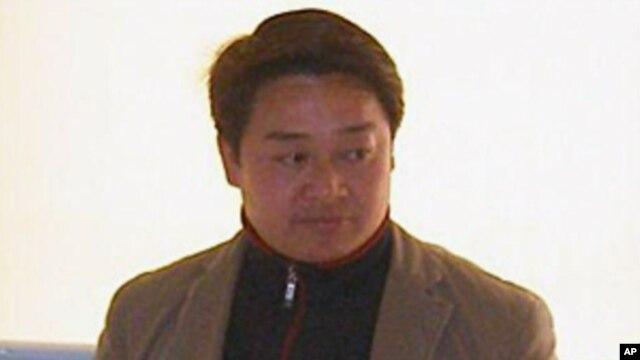 四川民主维权人士陈云飞(资料照片)