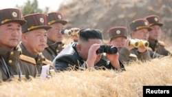 Corea del Norte lanzó el sábado dos supuestos misiles balísticos de corto alcance al mar, dijo el ejército de Corea del Sur, mientras sigue expandiendo sus capacidades militares ante el bloqueo de las negociaciones nucleares.