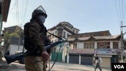 اراضی قوانین میں ترمیم: کشمیر میں شٹر ڈاؤن ہڑتال