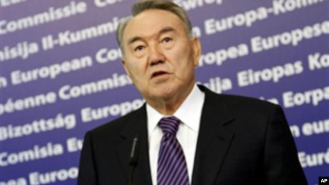 President of Kazakhstan Nursultan Nazarbayev speaks at European Union headquarters in Brussels, Oct 26, 2010.