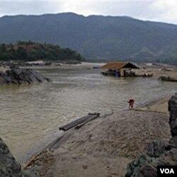 Rencana lokasi waduk Myitsone di negara bagian Kachin yang diprotes penduduk setempat.