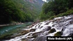 Reka Tara u regionu centralne Crne Gore, u Nacionalnom parku Durmitor (Foto: AP/Risto Božović)
